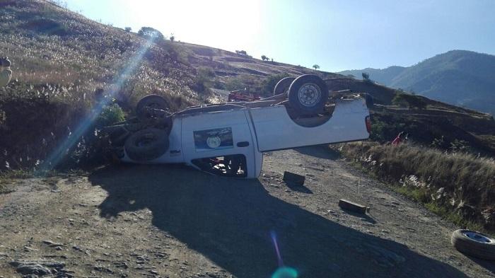 Vuelca camioneta, hay seis lesionados