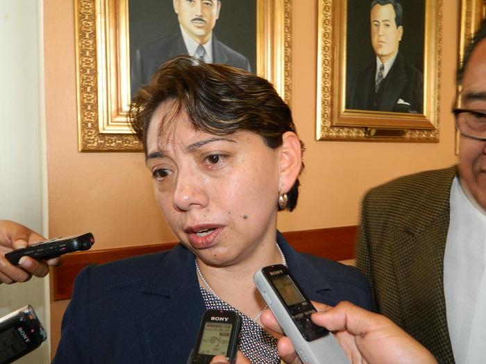 Fueron 15 funcionarios despedidos por la comuna, informó Ernestina Fernández