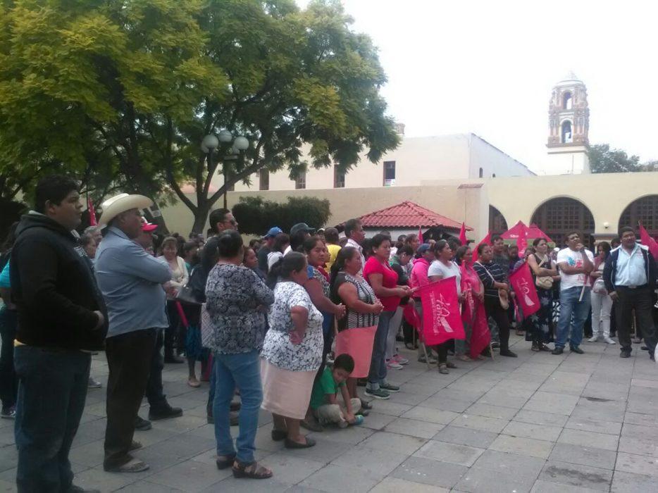 Se manifiesta Antorcha Campesina contra Banorte