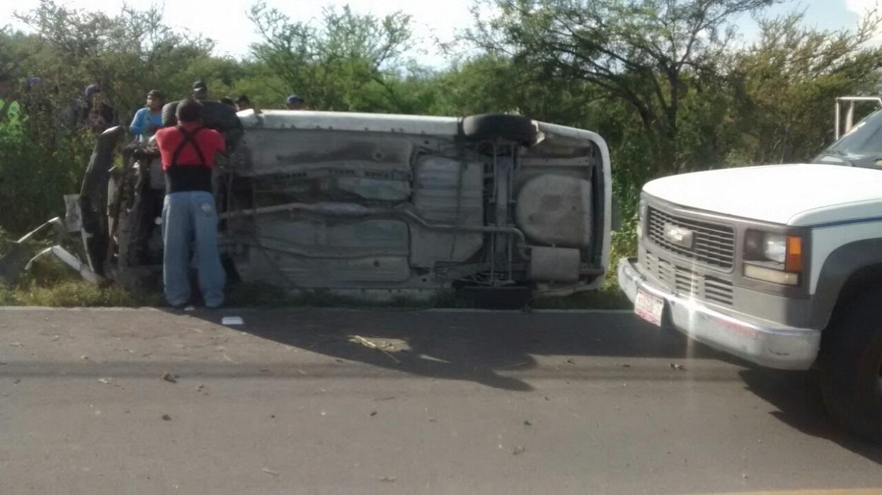 Accidente en la Intermixteca, solo hubo daños materiales