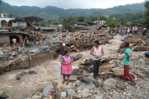 Claman por ayuda damnificados de Earl, Tehuacán abre centro de acopio